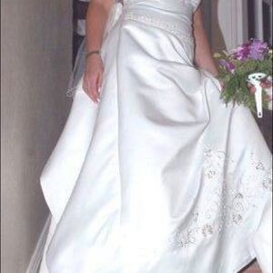 Wedding dress worn once great condition!